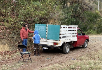 Exemplo: Professor improvisa aula em caminhão e leva educação a comunidades remotas