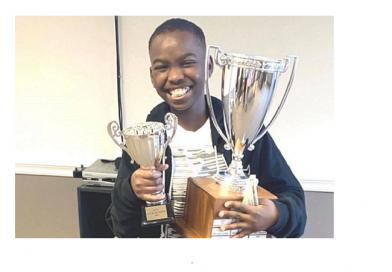 Determinação! Garoto nigeriano de 10 anos que dormia no chão é campeão de xadrez nos EUA